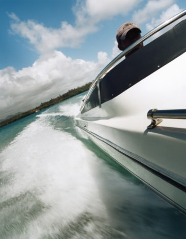 assurance bateau moteur avec cm nautisme. Black Bedroom Furniture Sets. Home Design Ideas